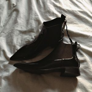 6e8350a2e07 SOLD ON DEPOP NWT pointed black booties